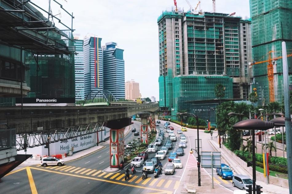 Kuala Lumpur widziane z perspektywy MRT - miasto w budowie