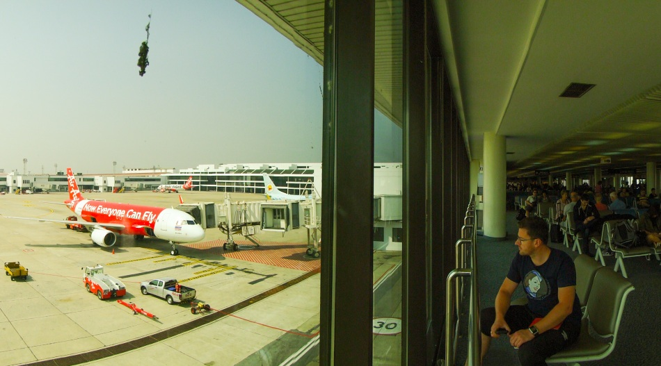 lotniska - czyli miejsce, które kocham. Są jak świat zamknięty w pigułce