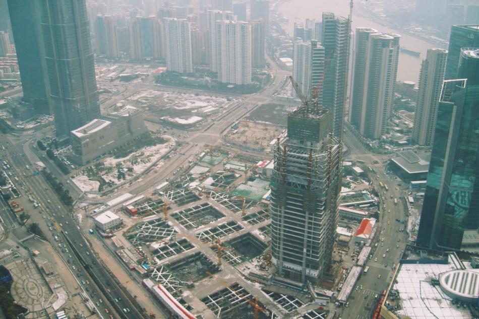 widok z Oriental Pearl Tower - Szanghaj nadal w budowie, 2008 rok