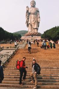 Wielkie Budda w Ling Shan, ja i Kuba w drodze na szczyt