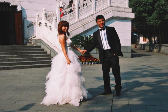 życie nad Jeziorem Zachodnim: kolejna sesja małżeńska