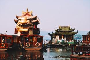 nad brzegiem Xi Hu