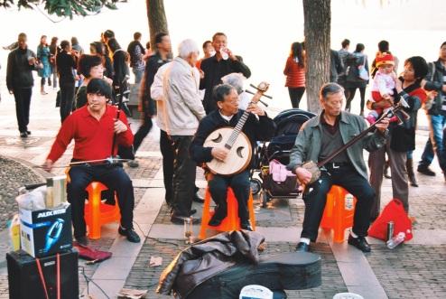 życie nad Jeziorem Zachodnim: muzyka