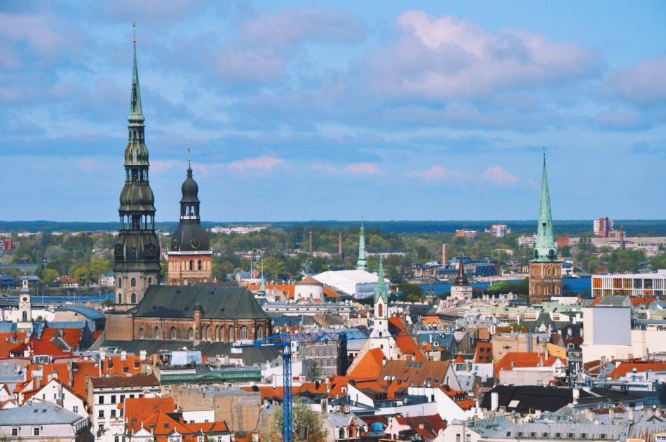 Ryga widziana z tarasu widokowego Łotewskiej Akademii Nauk