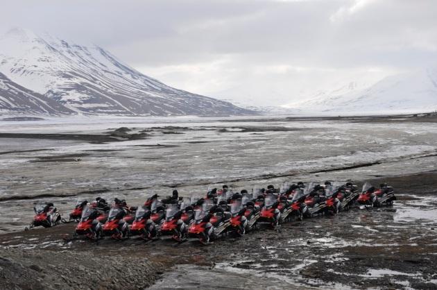 skutery śnieżne w Longyearbyen