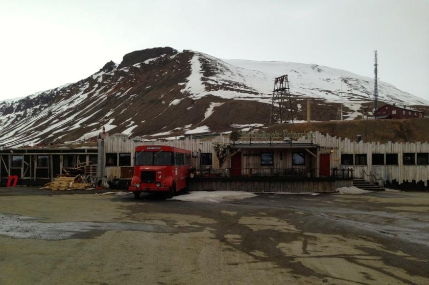 Longyearbyen, w pół do pierwszej w nocy