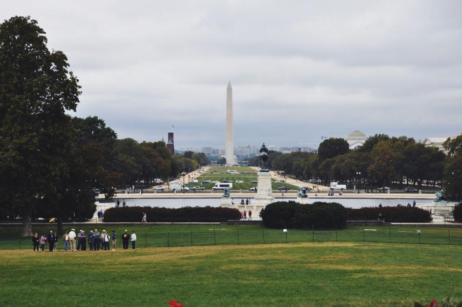 widok na the National Mall ze stóp Kongresu