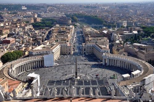 Plac św. Piotra widziany z kopuły bazyliki