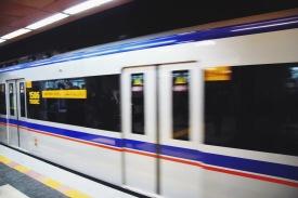 metro w Teheranie - wagon tylko dla kobiet