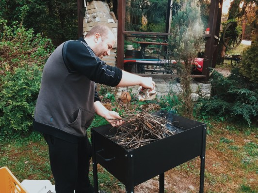 majowy grill w Morawicy